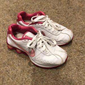EUC Nike Women's Shox. SIZE 6.5